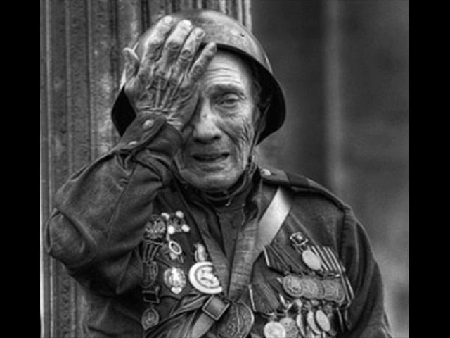 Изображение предпросмотра прочтения – СусаннаРефатова читает произведение «День Победы» (Разные писатели )