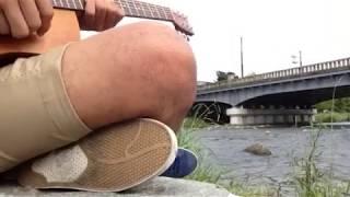 お盆に鴨川デルタの先端にて、歌を歌いました。京都ということで、歴史...