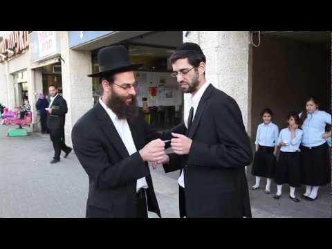 Ari Goldwag - Hashem Loves You [Music Video] ארי גולדוואג - ה׳ אוהב אותך