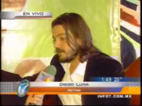 Diego Luna e Irene Azuela en entrevista con Arturo...