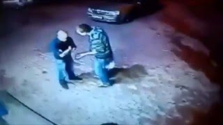 Скачать Russian Grandpa Boxer Knocks Out Two Guys Outside A Bar