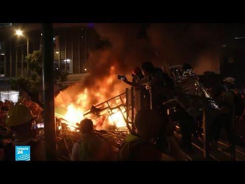 هونغ كونغ: الشرطة تمنع المتظاهرين من إغلاق الطرق المؤدية للمطار  - 11:54-2019 / 9 / 9