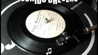 WHISKY CON SODA - Sonido Chevere