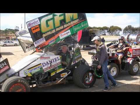 craig bartlett gets his first drive of a 800hp speedway sprint car from daniel pestka in 2014