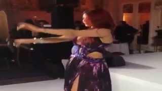 رقص هيفاء وهبي في مهرجان كان 2014 بـ فستان روبيرتو كافالي