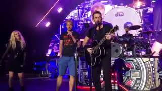 Download Nickelback Rockstar with Avril Lavine at The Greek Mp3 and Videos