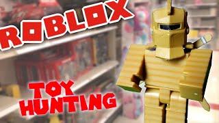 #ROBLOXTOYS HUNTING/ Einkaufen für neue #roblox Spielzeuge ' WalMart & Target & Cardboard Crusader Unboxing