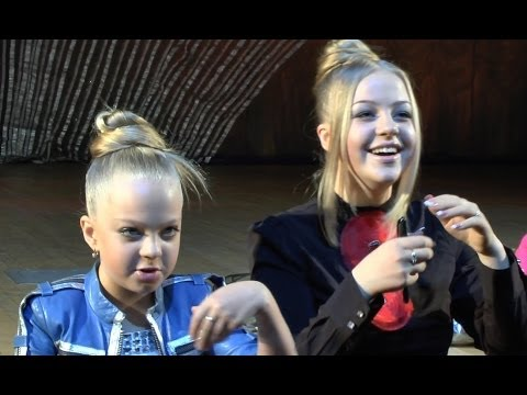 Anastasia Petryk (11 years), Victoria Petryk (16 years), recital
