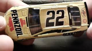 Nascar Diecast Review: Joey Logano #22 Pennzoil 2018 Ford Fusion