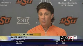 VIDEO - Mike Gundy makes players register to vote