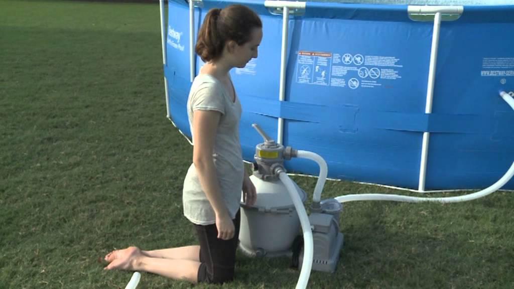 Filtre sable flowclear bestway fran ais youtube for Branchement filtre piscine