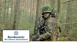 SERWAL 2016: Zugführer und Jägerzug üben Angriff im Wald - Bundeswehr