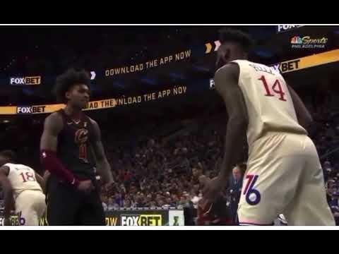 騎士小將暴扣後狂秀肌肉,解說卻嘲諷:你在幹什麼?都落後1000分了!(影)-黑特籃球-NBA新聞影音圖片分享社區