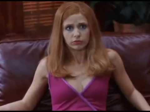 Daphne de Scooby Doo maldito video