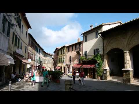 MONTALCINO Borgo pittoresco della Val d'Orcia - Full HD