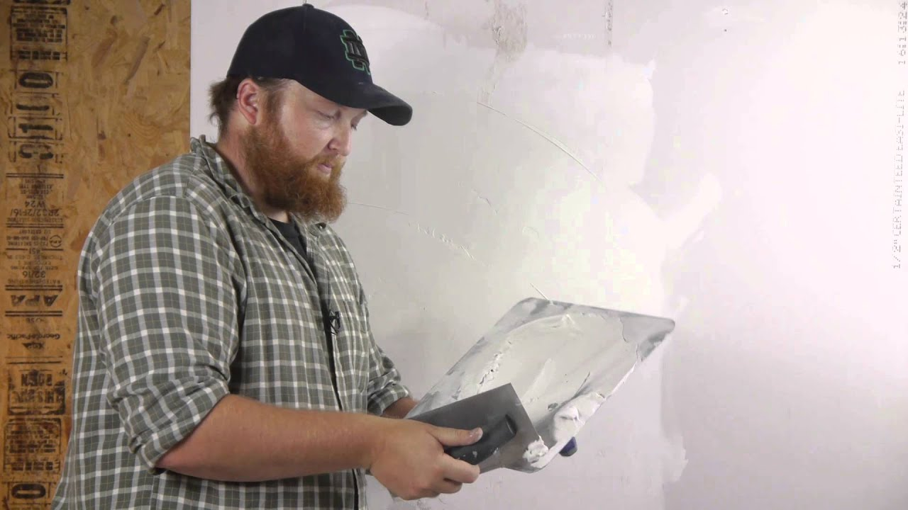 How To Skim Coat A Wall After Wallpaper Removal Walls Amp Paneling Youtube