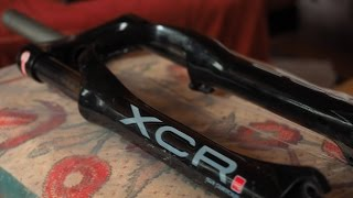Горный Велосипед - Ремонт и обслуживание вилки SR Suntour XCR Fork(В этом видео я покажу как провести ТО и Ремонт вилки SR SUNTOUR XCR. Подробно о техническом обслуживании вилок..., 2016-03-04T13:29:39.000Z)