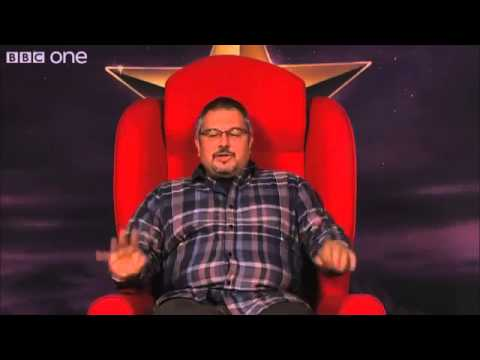 the-graham-norton-show-russell-crowe-controls-the-red-chair-season-13-episode-11-14-june-2013
