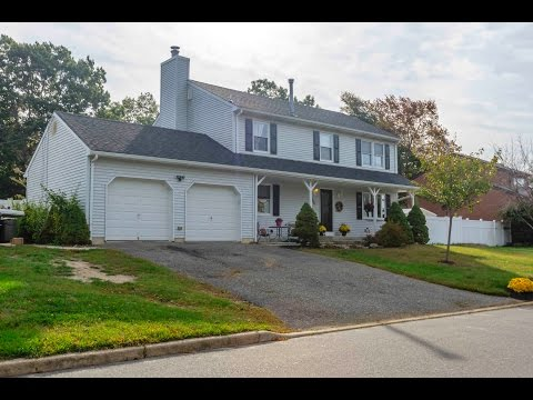 Tour This Home at 886 Fairview Dr Toms River, New Jersey 08753