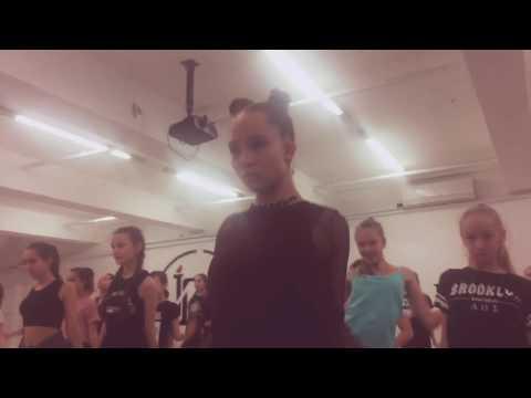 Саша Киселва вог, vogue- Саша Клвая Танцы ТНТ мастер-класс в IDC