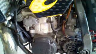 RM250 Engine Swap - 00 engine in a 96 frame YouTube Videos