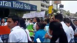 Normalistas del Valle de Sula se unen a marcha contra jornada extendida