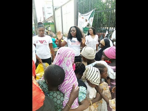 Ebony Obasuyi Celebrate Her Christmas With Beggars And Orphans.