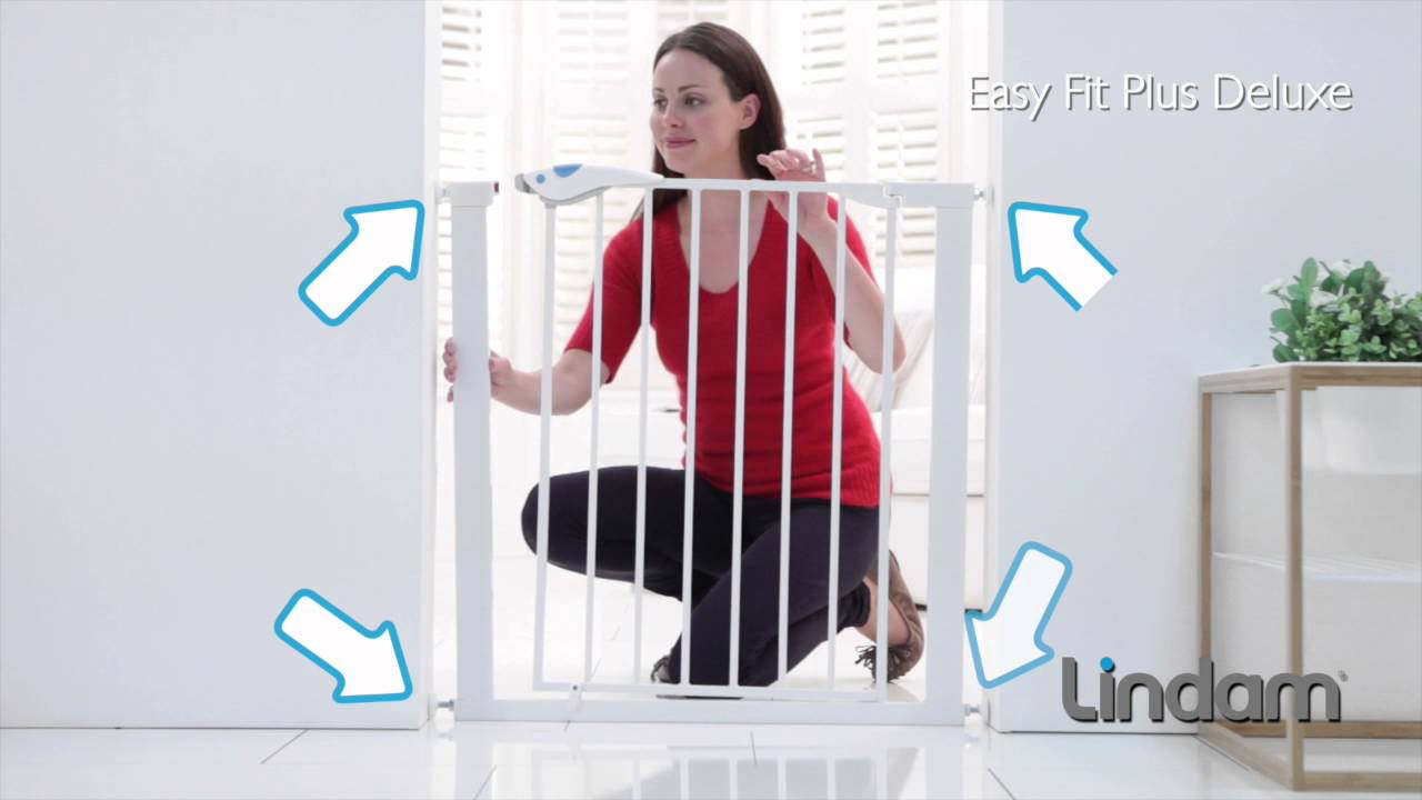 lindam easy fit plus deluxe safety gate youtube. Black Bedroom Furniture Sets. Home Design Ideas