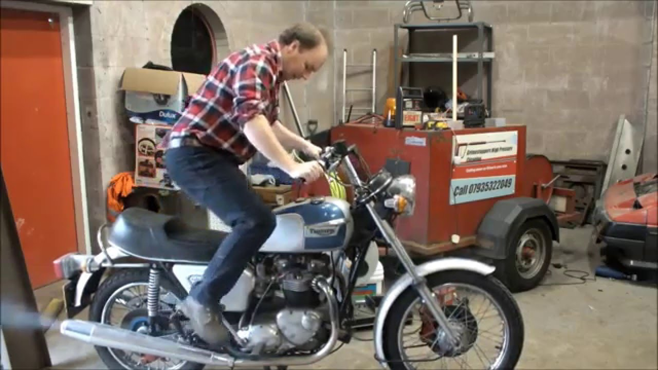 How To Start A Triumph Bonneville T140 Youtube