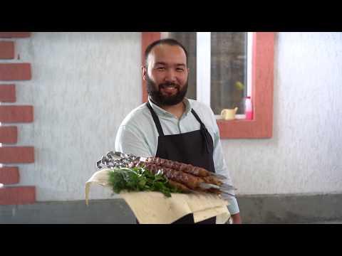 Люля-Кебаб из курицы на мангале, который не падает с шампура. Сочный, вкусный кебаб.