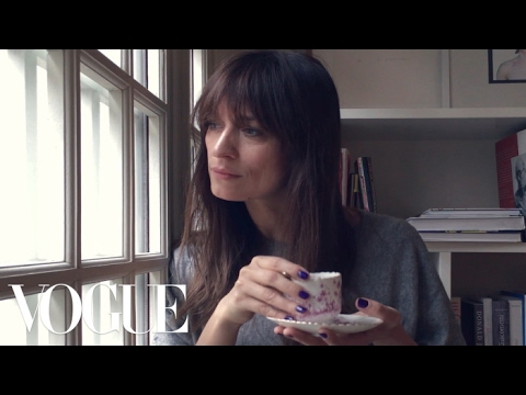The 5-Step French Girl Workout With Model Caroline de Maigret