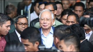 Najib leaves MACC after more than four hours of questioning