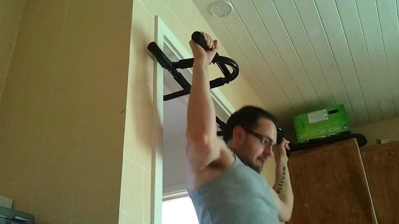 Iron Gym Xtreme P90x Chin Up Bar Youtube