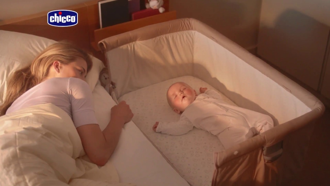 Baby Bed Wieg.Chicco Next 2 Me Wieg Aan Bed Mamaloes Babysjop Youtube
