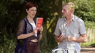 Simon Pegg Big Train sketch: Do You Speak English? - Comedy Greats - BBC