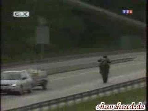 Grosse gaffe de la Gendarmerie pendant un reportagede YouTube · Durée:  3 minutes 39 secondes