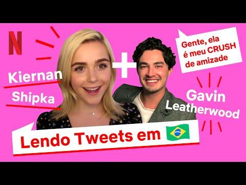 Elenco de O Mundo Sombrio de Sabrina faz feitiçaria com a língua portuguesa | Netflix Brasil