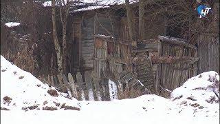 Обитатели частного сектора на Хутынской до сих пор живут в хижинах и без права построить новое жилье