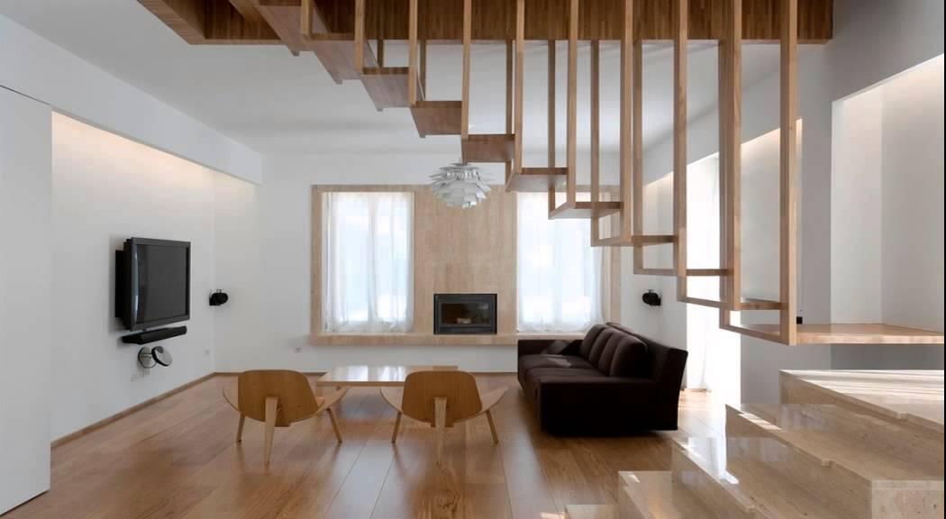 escaleras de interior de madera de aluminio con pasamanos