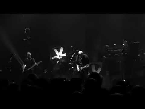 Stranglers- Something Better Change - Live at The Apollo, Manchester 30.3.19