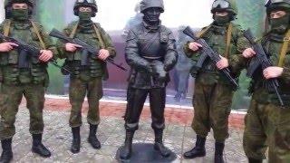 Зелёный вежливый насильник зоофил - боевой котоёб армии эРэФии.
