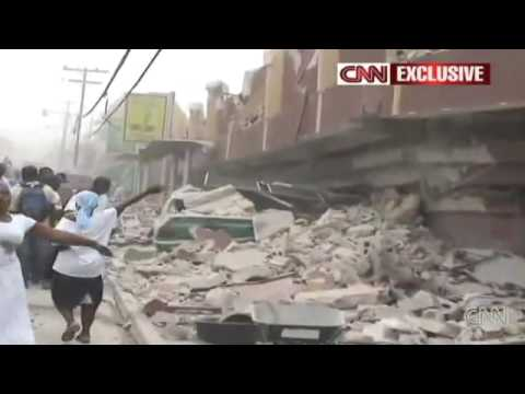 Haiti Earthquake - Seconds after first quake - Video January 2010  - Graphic