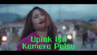 Gambar cover Upiak Isil - Kamera Palsu (Lirik)
