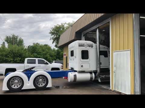 Diesel Freak Semi Truck Burnout At Evan's Detailing And Polishing