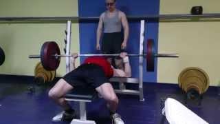 Жим лежа 110 кг на 9 раз