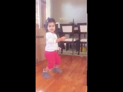 2 year old Prishu dancing on Deewani Mastani (Bajirao Mastani)