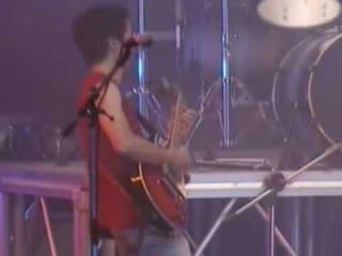 Gạt Tàn Đầy - Phở / Đám Cưới Chuột (Live)