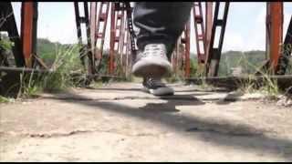 MEERYZEANS Feat LAMLAM - BIARLAH DUNIA BICARA (Official Video Clip)