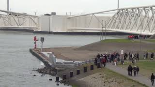 Closure of the Maeslantkering