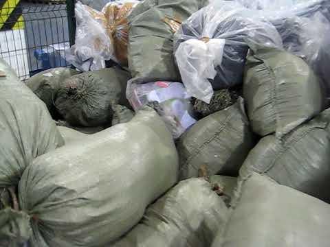 Крупную партию одежды и обуви обнаружили минские таможенники